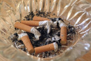 "Latest ""AIDS"" research:  Smoking damages lungs"